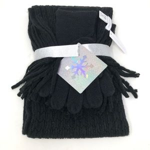 NY&Co Black Winter Scarf and Gloves Gift Set New